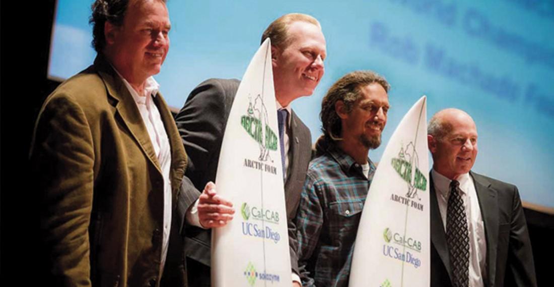 ¿Fabricación de tablas de surf a partir de algas?